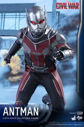 Hot Toys shows CAPTAIN AMERICA: CIVIL WAR Ant-Man action figure – GeekTyrant